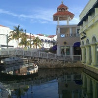 Foto tomada en La Isla Shopping Village por Manuel H. el 3/20/2013