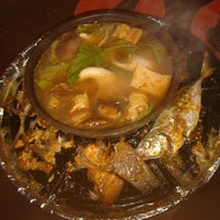 Photo taken at 833 BBQ Steamboat Buffet by Gloria J. on 2/3/2013