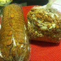 Foto tirada no(a) Tall Grass Bakery por Connor M. em 11/18/2012