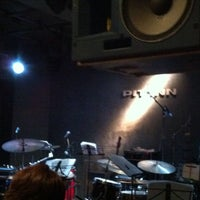 Photo prise au 新宿 PIT INN par Ryosuke W. le6/28/2013