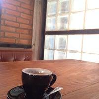 Foto diambil di Casa Lapin X26 oleh khonkaender k. pada 6/4/2014