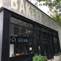 Photo prise au Lost Bakery par Ricky S. le9/2/2017