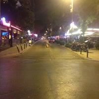 7/26/2013 tarihinde Yusuf K.ziyaretçi tarafından Caddebostan Barlar Sokağı'de çekilen fotoğraf