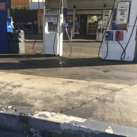 Photo taken at Sparkles Petroleum by Tehya R. on 5/1/2017