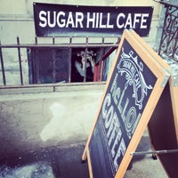 Photo prise au Sugar Hill Cafe par Shane S. le3/8/2015