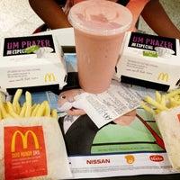 Foto tirada no(a) McDonald's por Mariana A. em 3/30/2013