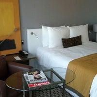 Das Foto wurde bei Radisson Blu Gautrain Hotel von Svetlana M. am 4/1/2013 aufgenommen