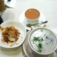 Photo taken at Cha Chan Tang by Jaclyn N. on 11/10/2012
