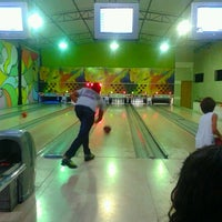 Photo taken at Strike Boliche by Joice F. on 1/14/2013