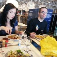 Photo prise au IKEA Restaurant & Café par Julien B. le8/6/2013