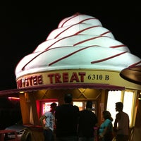 Photo taken at Twistee Treat by Ana Q. on 7/21/2013