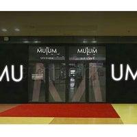 Foto tomada en MU UM por Manuel G. el 12/22/2012