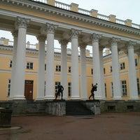 Снимок сделан в Александровский дворец пользователем sven 5/25/2013