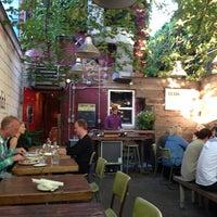 Foto tirada no(a) Union Restaurant por John B. em 8/14/2013