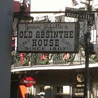 Foto tirada no(a) The Old Absinthe House por Shayne M. em 11/30/2012