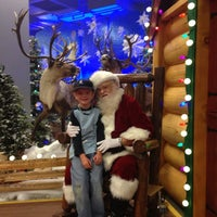 Photo taken at Bass Pro Shops by Jeff W. on 11/16/2012