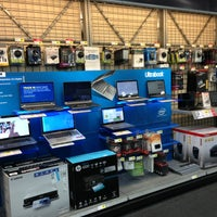 Photo taken at Best Buy by Leandro C. on 4/8/2013