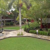 Photo taken at Facultad de Arquitectura Diseño y Urbanismo by Leonides D. on 11/17/2012