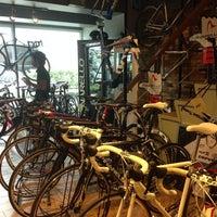 Photo taken at Primo Cycles, Fort Bonifacio by Denise Agatha on 7/22/2013