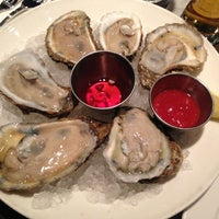 Photo prise au Oyster House par Tiffany H. le2/9/2013