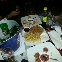 Photo taken at Hanan's Bar & Grill by Jero M. on 1/26/2014