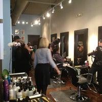 Das Foto wurde bei Adore Hair Studio von Parker S. am 2/19/2013 aufgenommen