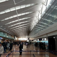 Photo taken at HND Terminal 2 by せきけん on 3/21/2013
