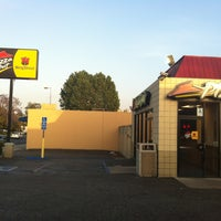 Photo taken at Pizza Hut by Crystal K. on 5/5/2013