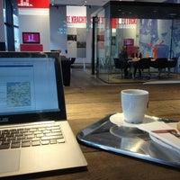 Foto tomada en Nationale-Nederlanden Douwe Egberts Café por Karsten U. el 5/16/2013