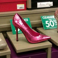 Photo taken at DSW Designer Shoe Warehouse by Laura L. on 11/21/2012