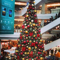 Photo taken at Plaza Shopping by Fabricio L. on 12/23/2012