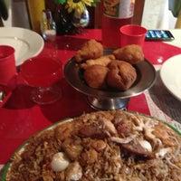 Photo taken at Restaurante Chino Phoenix Dorado by Lorenita J. on 7/25/2013