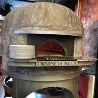 Das Foto wurde bei Pizzeria Scugnizzo von Kuechenjunge am 4/9/2016 aufgenommen
