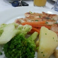 Photo taken at Restaurante e Pizzaria Dema Joe by Osvaldo N. on 11/12/2012