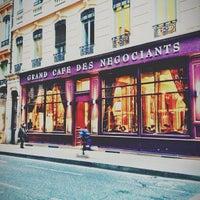 Foto tirada no(a) Grand Café des Négociants por Marie-Eve V. em 3/28/2013