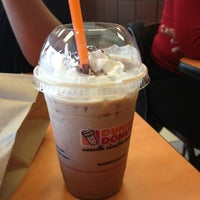 Photo taken at Dunkin Donuts by Leticia L. on 4/7/2013