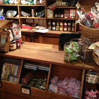 Photo taken at Cracker Barrel Old Country Store by Steve W. on 1/4/2013