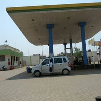 Photo taken at gujarat gas Gas Filling by Hemant T. on 4/6/2014