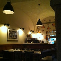 Photo taken at Pizzaria Lisboa by Alexandre K. on 7/31/2013