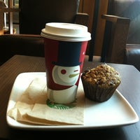 Foto tomada en Starbucks por Lorena B. el 11/18/2012