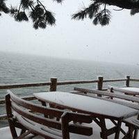 3/23/2013 tarihinde M€r@£🍀ziyaretçi tarafından Abant Göl Cafe & Restaurant'de çekilen fotoğraf