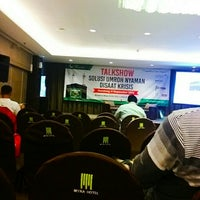 Photo taken at Mitra Hotel by wans s. on 9/6/2015