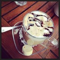 3/7/2013 tarihinde Arda Adil Ö.ziyaretçi tarafından Shakespeare Coffee & Bistro'de çekilen fotoğraf
