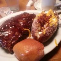 Photo taken at Texas Roadhouse by Juana E. on 4/13/2013