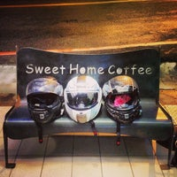 Photo taken at 甜心屋咖啡Sweet Home Coffee 民安路店 by Stephen T. on 12/19/2013