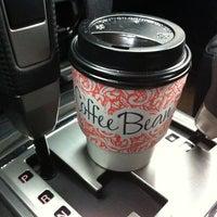 Снимок сделан в Coffee Bean пользователем Pavel L. 12/26/2012