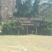 รูปภาพถ่ายที่ Alexander Deussen Park โดย Mary P. เมื่อ 12/12/2012
