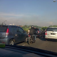 Photo taken at Fly Over Pondok Bambu by Uninstall A. on 5/20/2013