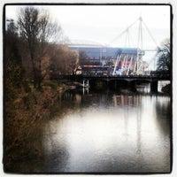 Photo taken at Millennium Bridge by Elio Assuncao D. on 3/16/2013