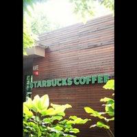 Photo taken at Starbucks by KahFui on 4/28/2013